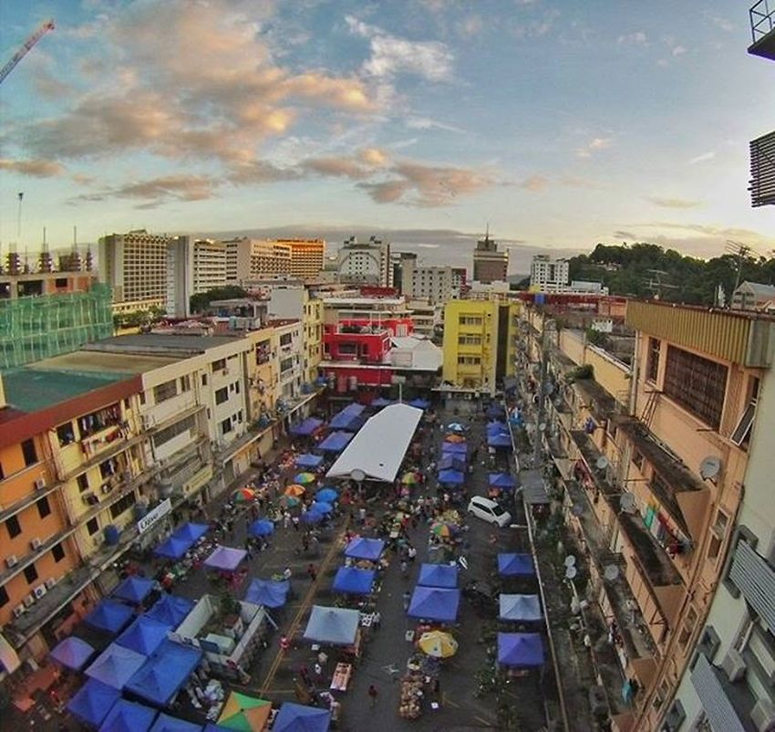 Beautiful view of Gaya Street from Mandarin Hotel 6th floor . Gayastreet Kotakinabalu Market Sabah Gaya Malaysia Tourism Street Pasar Morning Vscomalaysia Vscography VSCO