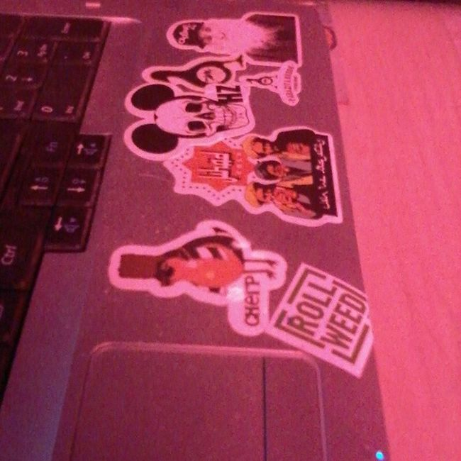 Parazitakusok @parazitakusok2 Sticker Stickerart Wearefymersyouarenot stickerbombing