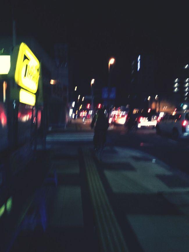 夜は。暗いね。
