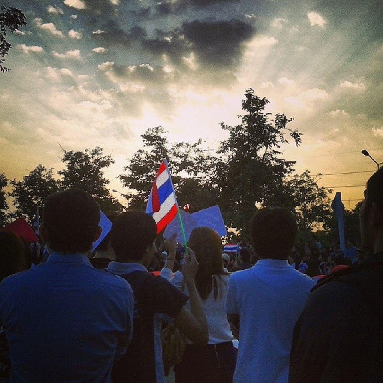 ม.นเรศวร ต้าน พ.ร.บ.นิรโทษกรรม ฉบับสุดซอย Sun Set Sun Light Thai Flag