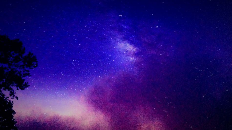 Its amazing what photos you can get. Hanging Out Check This Out Taking Photos Hello World Relaxing Hi! Enjoying Life Still Awesome Sleep Sky's Lovephotography  Lookingup Check This Out Sky And Clouds Galaxy The Great Outdoors With Adobe
