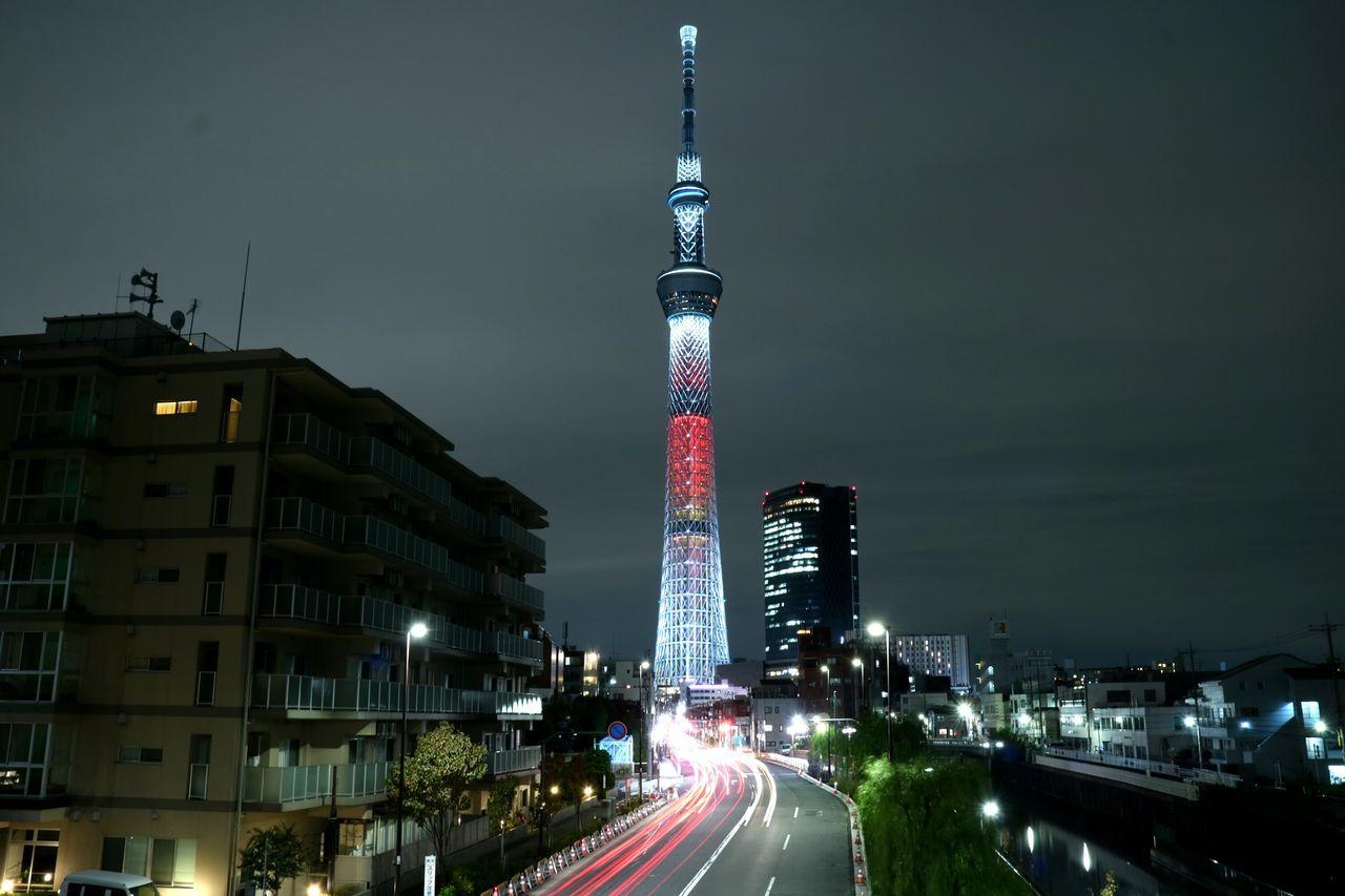 Night Illuminated Skytree Tokyoskytree Tokyo Tower Nightscape Nightphotography Nightview Lighting Litup Tokyo Night Red Taillights