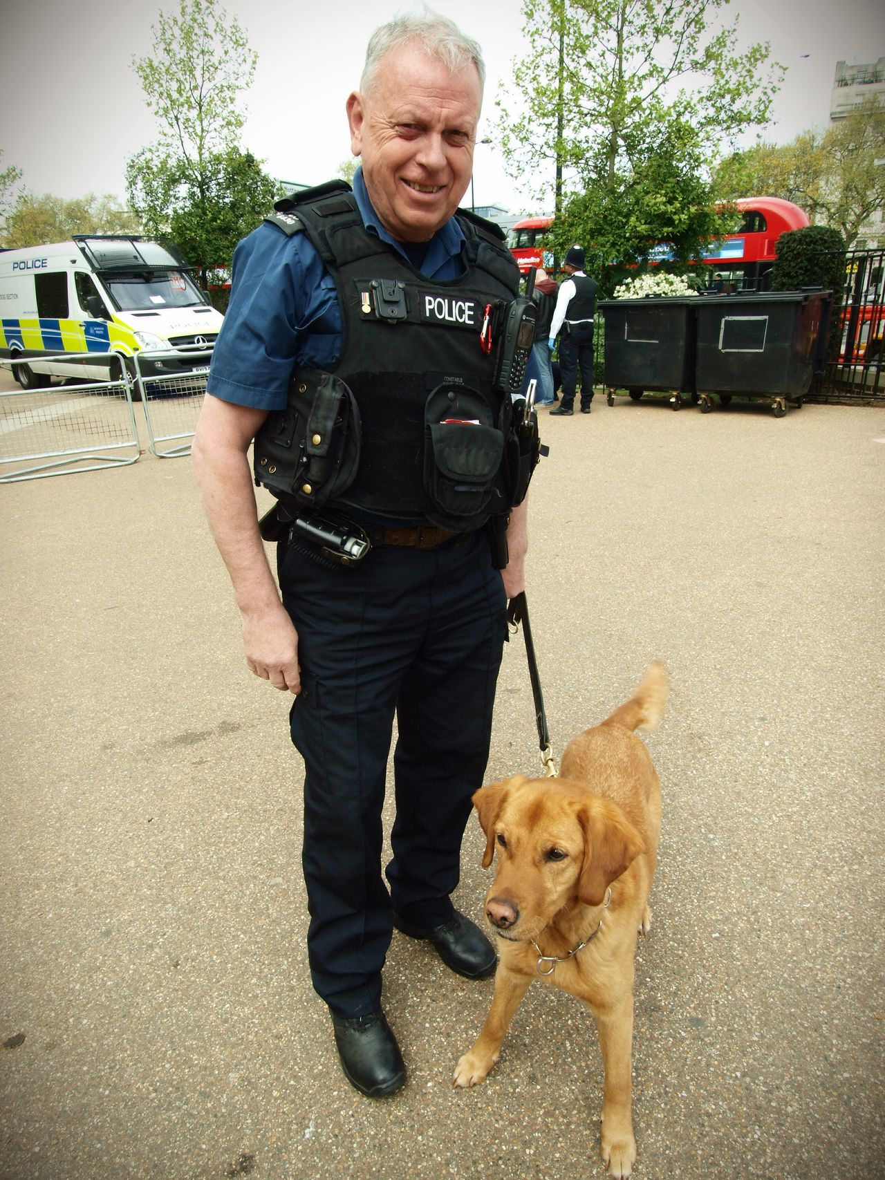 London News PC a Nightingale and Millie the drug sniffer dog conducting searches at the London 420 Rally to legalise Canabis 20-04-2017 Hyde Park Photojournalism London Lifestyle Steve Merrick Stevesevilempire Olympus Zuiko Drug Sniffer Dogs Metropolitan Police Canabisculture Canabbis London 420 Rally Canabis