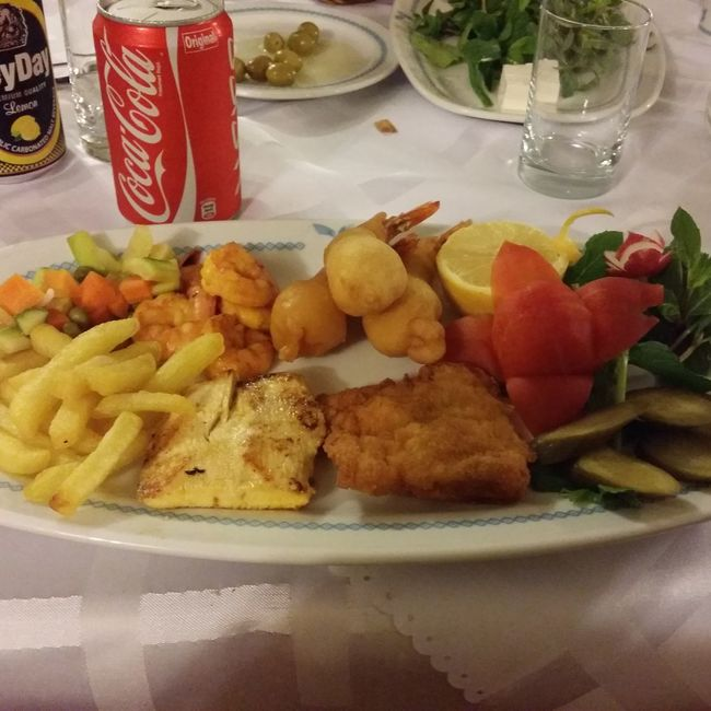 Food Eating Escovitch Fish Plate Diner Time
