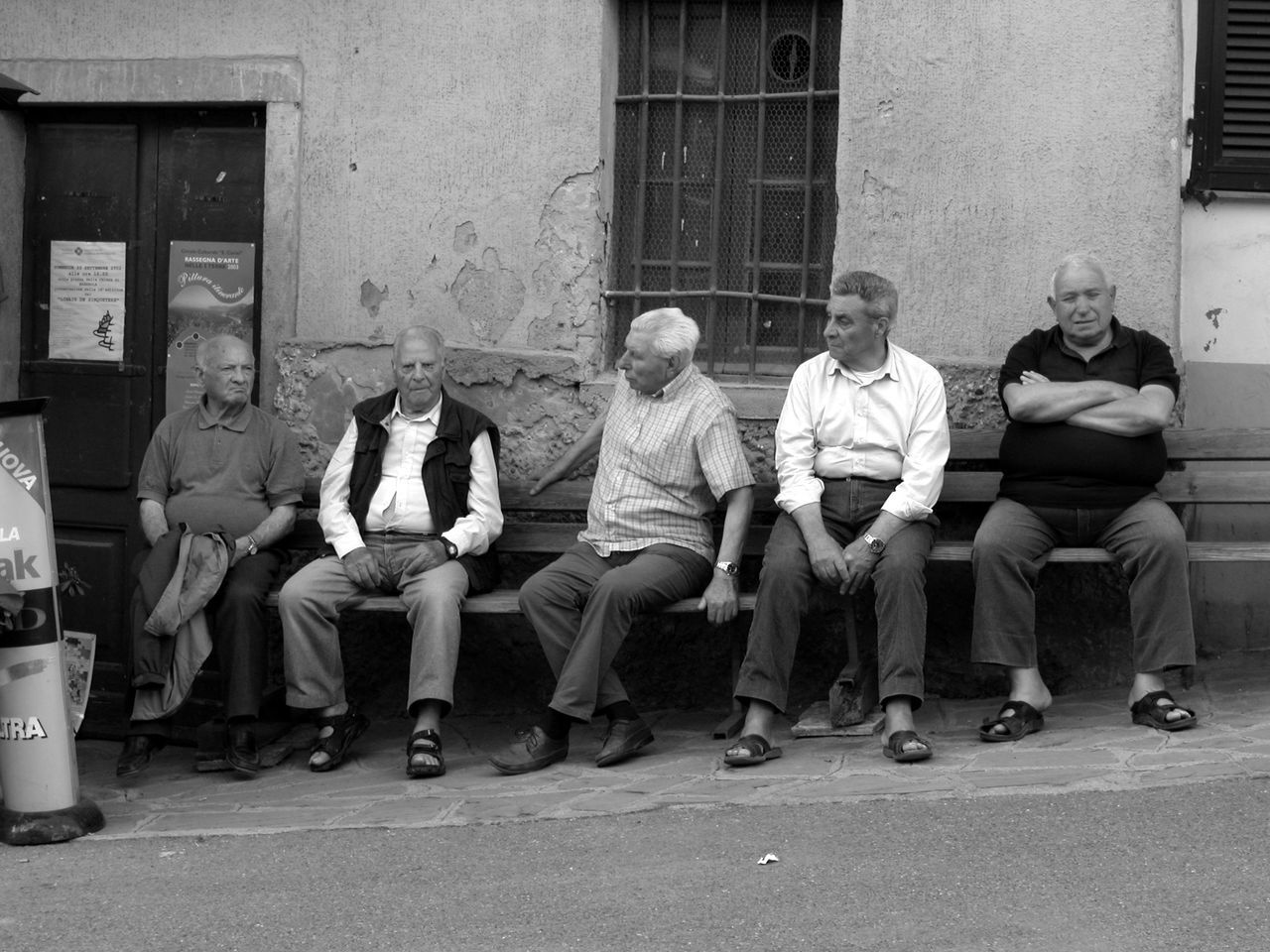 sitting, senior adult, full length, building exterior, senior men, outdoors, men, mature adult, adult, day, friendship, city, group of people, people, togetherness, architecture, adults only, portrait, only men
