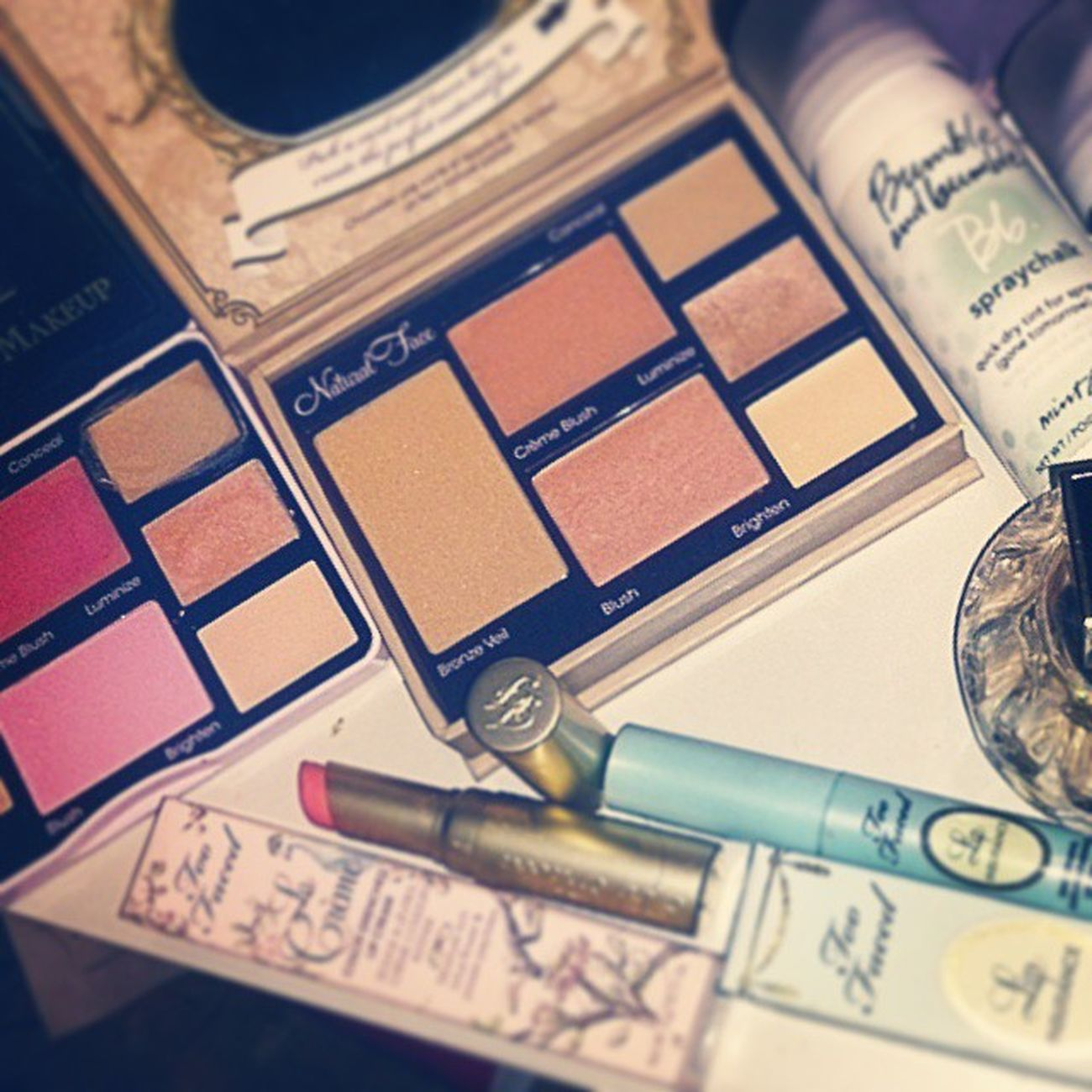 TooFaced Bumbleandbumble Jimmychoo SprayChalk Mint Lavendel Lipinsurance LaCream MarshmallowBunny Freshandflawlesspalette Naturalradiancekit Mu @TooFaced Order via Unitedkingdom, B&B Chalk 2, jimmy Choo Signature Fragrance via Douglas Germany