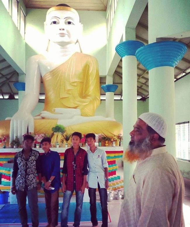 On assignment ! Local tourist pose for a photograph infront of 36 feet high Buddha statue at a Buddist temple in Kuakata. Js Jashimsalam Photojournalism Documentary Onassignment Climate Climatechange Risingsealevel Sea Beach People Tourist Religion Temple Kuakata Seabeach Insta Instagram Everydaybangladesh