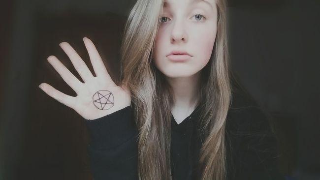 Pentagram❤ Love It! <3 Pentagram Black Handypics Meine Augen! So Hässlich Scheiße Geworden Aber Egal<3 :DD Ich Und Meine Gedanken....
