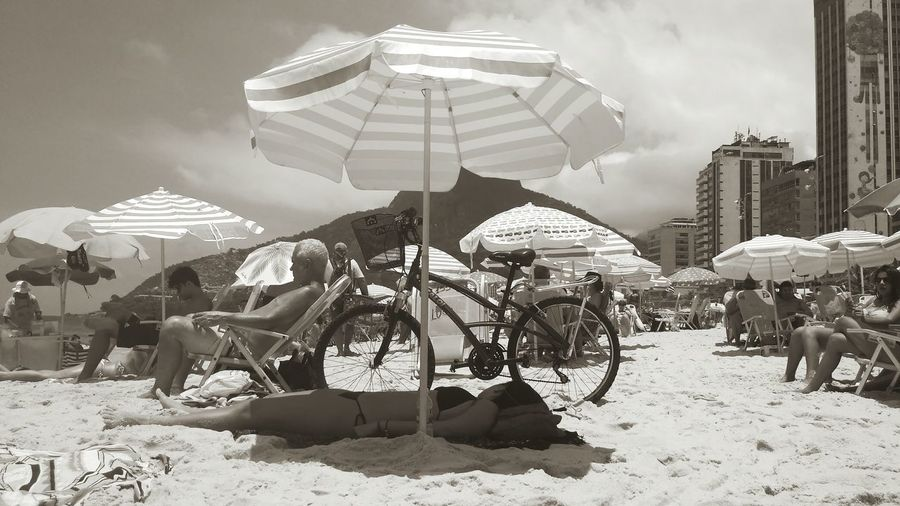 That girl knows how to enjoy the beach People Day Black & White Rio De Janeiro Eyeem Fotos Collection⛵ Adult Sleeping At The Beach Beach People Time Beach People People Photography People And Places One Person Sleeping Person At The Beach Monocromatic The Street Photographer - 2017 EyeEm Awards Neighborhood Map Sommergefühle Breathing Space Love Yourself