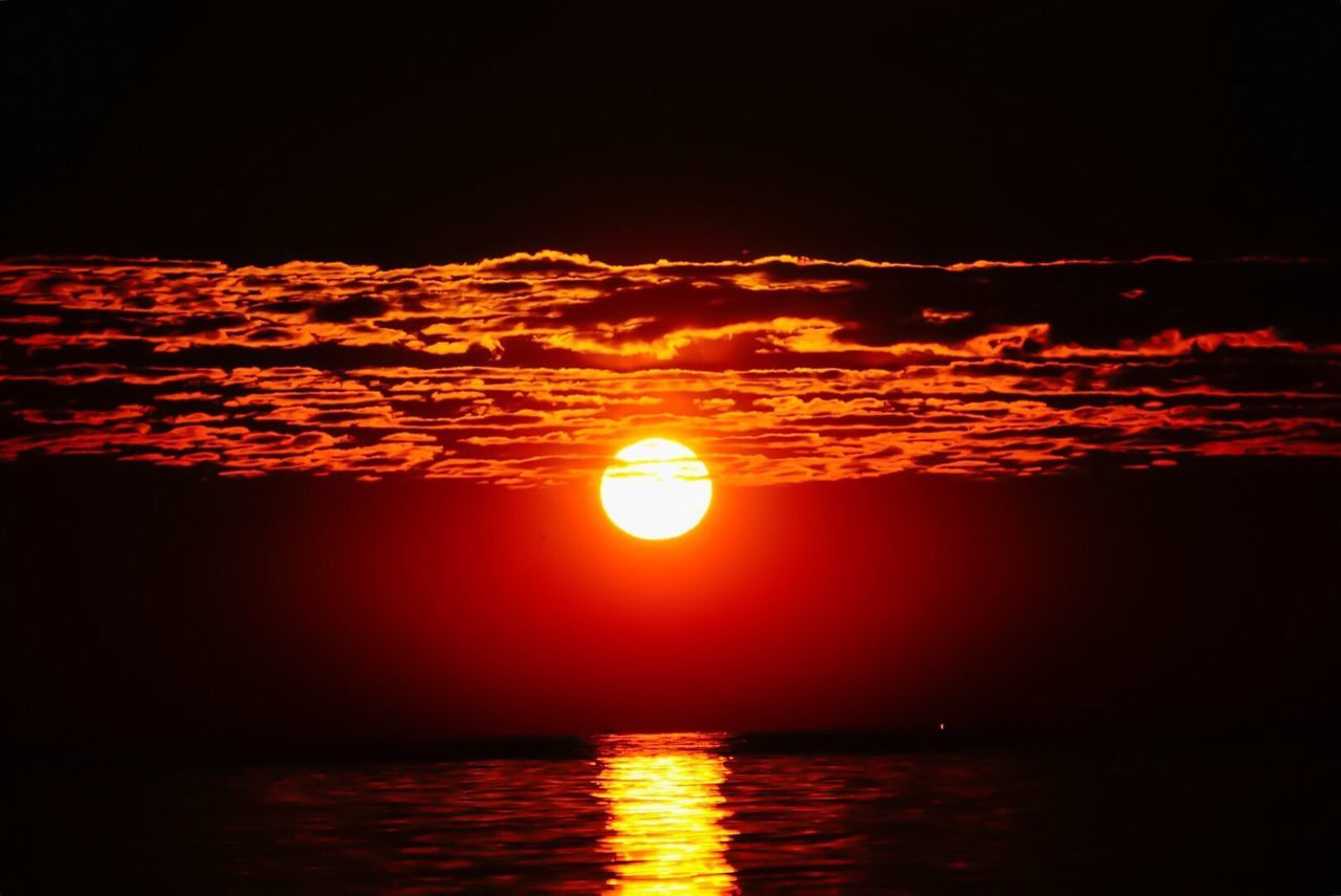 If you can't say I Love you and mean it then don't say it..☀️⛈❤︎💥🔫 Sony A6000 Nature's Diversities Sunrise_sunsets_aroundworld 1⃣2⃣3⃣ EyeEm Best Shots - Nature EyeEm Best Shots Agate Beach  Naturelovers