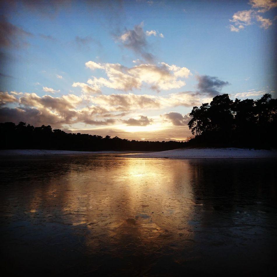 Sunshine Lake Lake View Landscape sunset #sun #clouds #skylovers #sky #nature #beautifulinnature #naturalbeauty photography landscape Winter