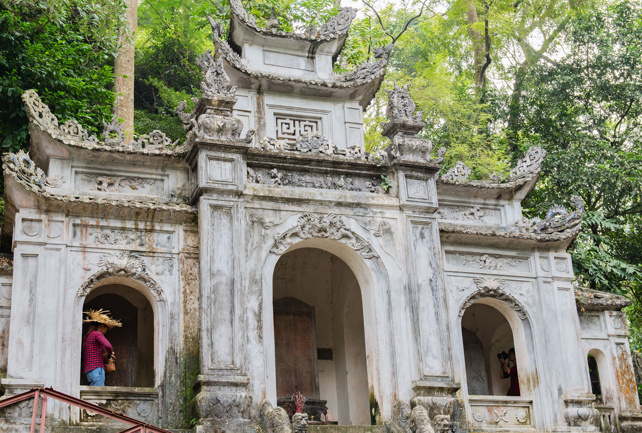 Chinese temple in the city centre of Hanoi Architecture Buddhism Building Cloister Concept Culture Dragon Hanoi Vietnam  Imperial City No People Outdoors Temple Temple Arrangement Travel Destinations Vietnam