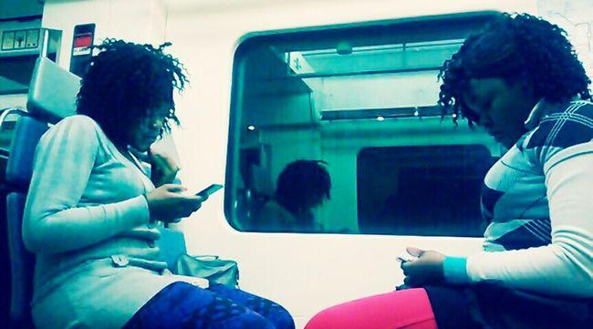 Meet Suzanne and Danielle ;) Subway Portraits Peoplephotography Dem Fontana Women