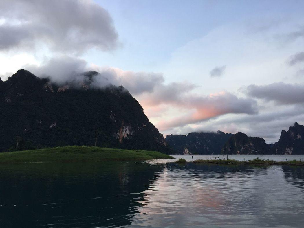 Clouds Clouds And Sky Mountain Fog Chiewlarn Cheowlarn Ratchaprapadam Sunrise Morning Thailand