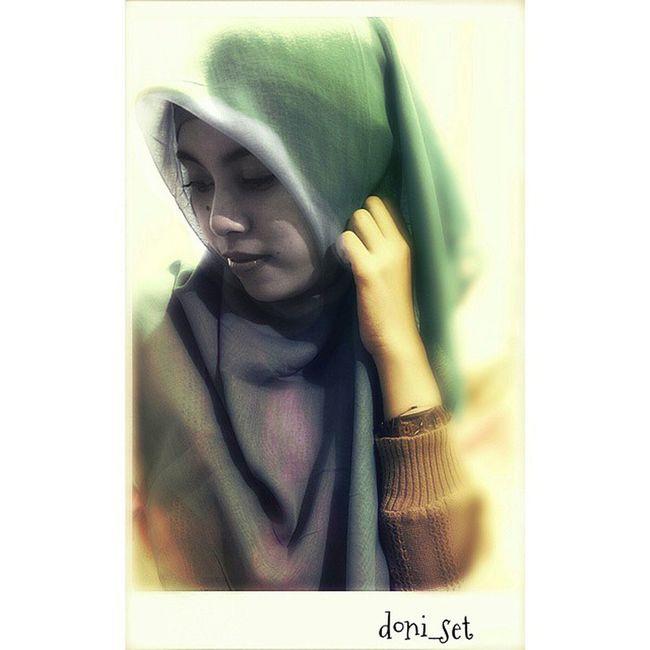 Asiiiikk Hijab Jilbab Muslimah Wanita Gadis INDONESIA @dinara_karisti