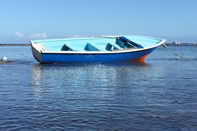 Marée basse Mauritius Boat Seaside Blue IPhoneography Seascape