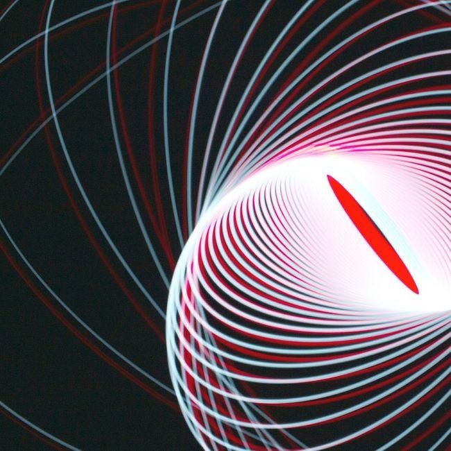 Experimenting with gravity Longexposure Longexposurephotography Lightpainting Lightpaintingphotography Pendulum Physiogram