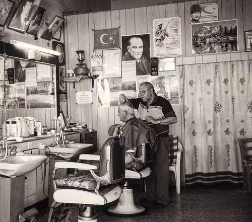 Barbers old school. Hairdresser Working Travel Photography TTurkey CCyprus AAtatürk EyeEmNewHere Barber