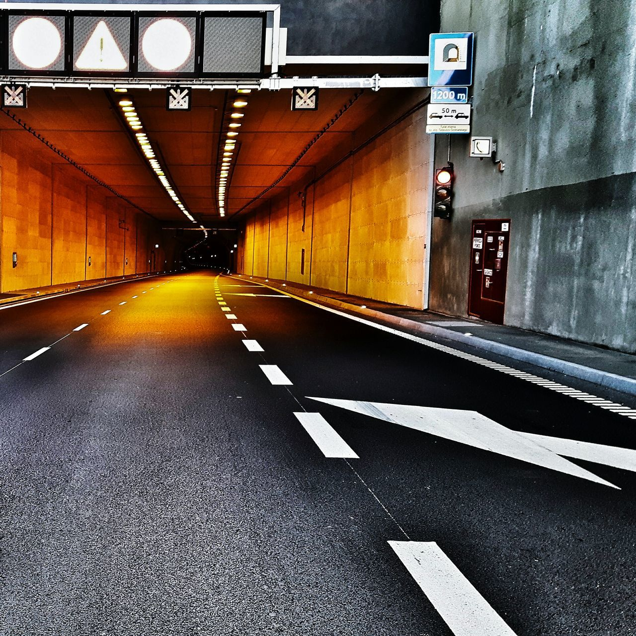 Tunnel entrance No People The Way Forward Architecture Tunnel Tunnel View Tunnel Entrance Car Tunnel Highway Tunnel Tunel Day Mode Of Transport Transportation EyeEmNewHere