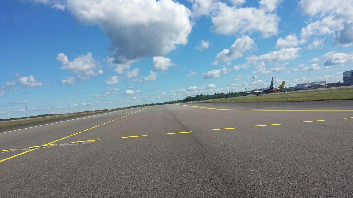 Airport Göteborg Landvetter Airport (got) Cloud_collection  Work Wiew Inspection Taxi Yankee Summer2015