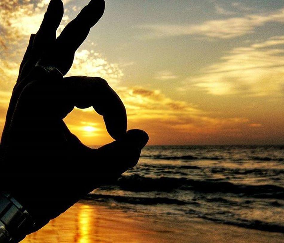 игривый закат Закат вечер прогулкасхорошимчеловеком силуэт настроение тени Evening Sunset Mood Silhouette Sea Sky World_best WORLD_BESTSKY Thebest_sunset Israelsunsets Ig_israel Instaisrael Instagram_israel Insta_Israel Myisrael Instagram_israel_ Nature Naturelovers Shadow
