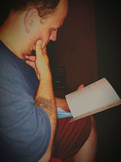 Happy Fathers Day My Hubby <3 I love him so much! My baby reading his Father's Days cards!