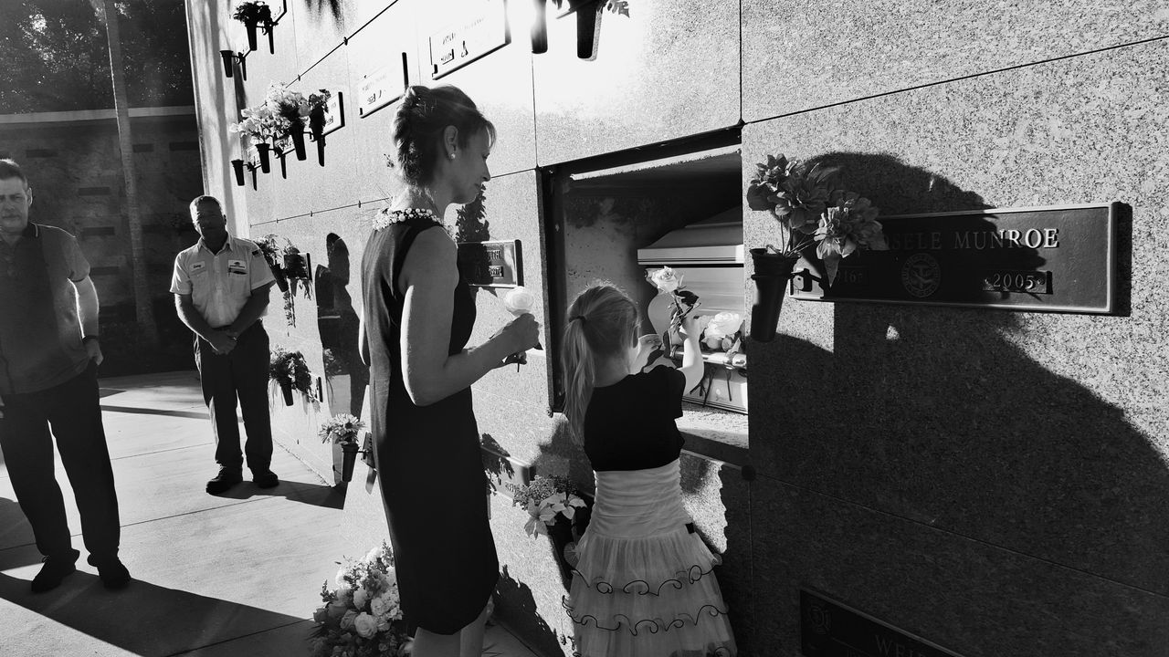 Flower Close-up Two People Ceremony Goodbye Loss Family❤ Saying Goodbye Funeral Ceremony Funeral People Black & White Blackandwhite Social Issues Welcome To Black Long Goodbye
