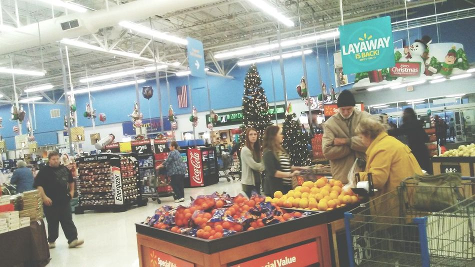 Choice Variation Store Retail  Market Market Stall For Sale Choosing Food City Freshness Indoors  People Christman Christmas Tree Large Group Of Objects Large Group Of People Walmart Supermarket