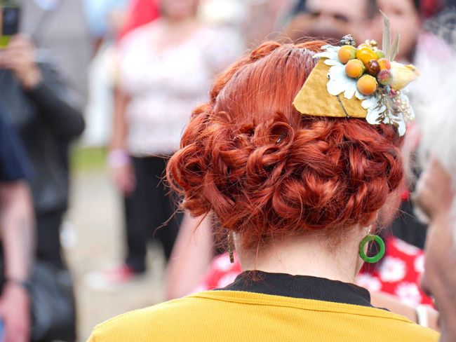 Rock'n'Roll Weekend Berries in her hair Fifties & Sixties Fun Fashion Hair Eye4photography  Tadaa Community People Together Focus Object
