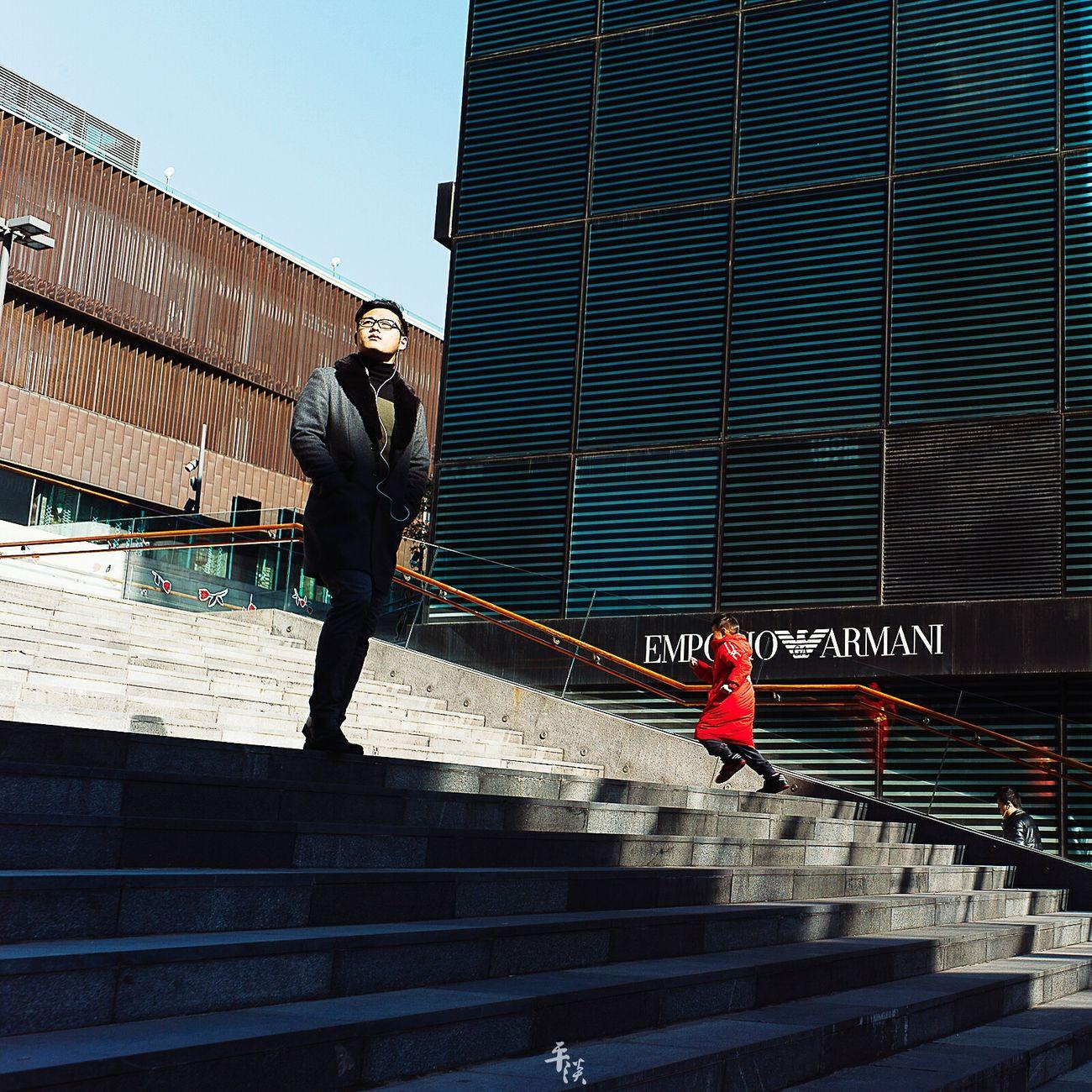 凌乱碎片 BEIJING CHINA LeicaM9 Voigtlander28mm Streetphoto_bw Streetphotography Street Photography Street Street Style Leicacamera M9