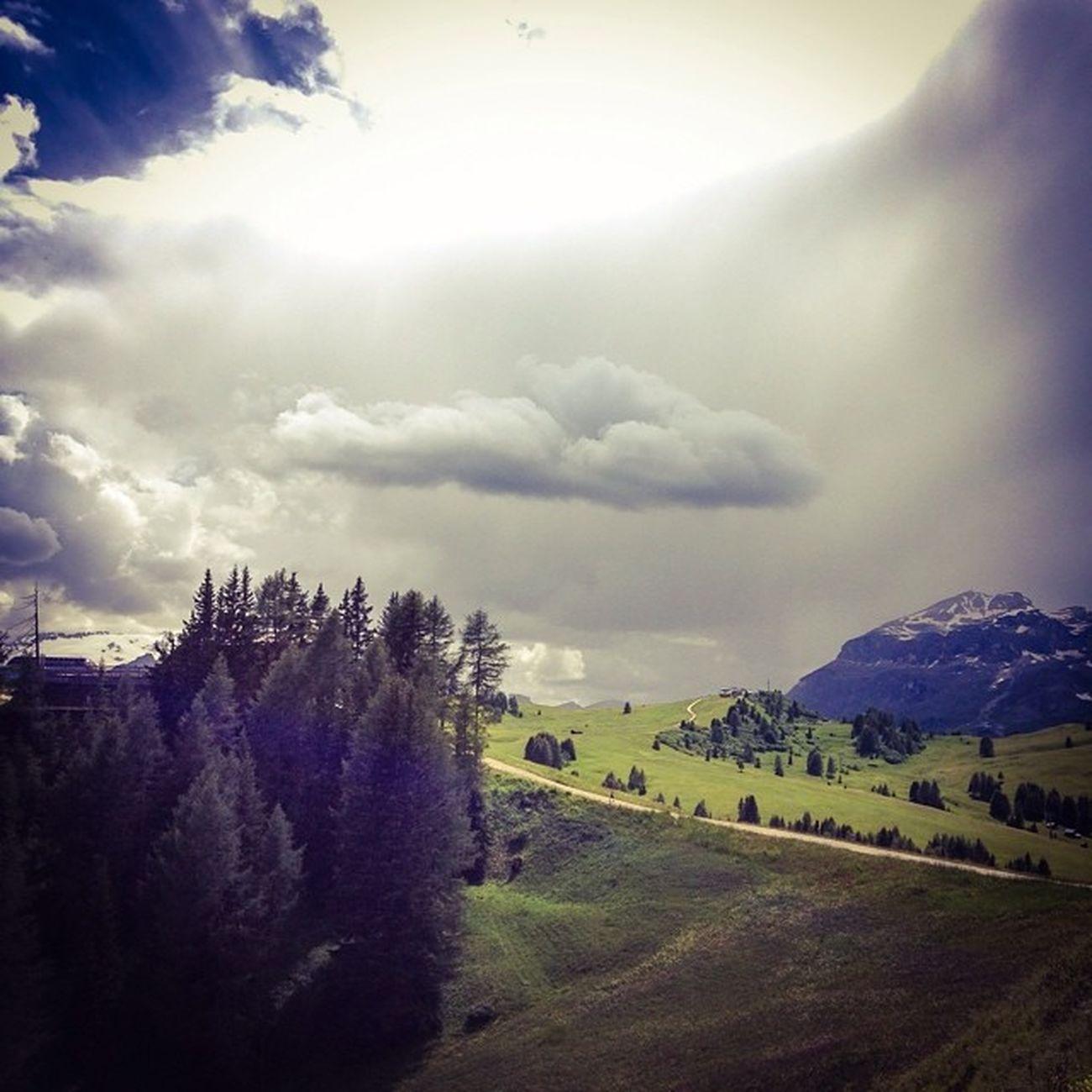 #Nuvola al #Bioch #sancassiano #altabadia #corvara #alps #dolomites #iphonography #lifelessordinary #amazinglight #MeshPics #webstapick