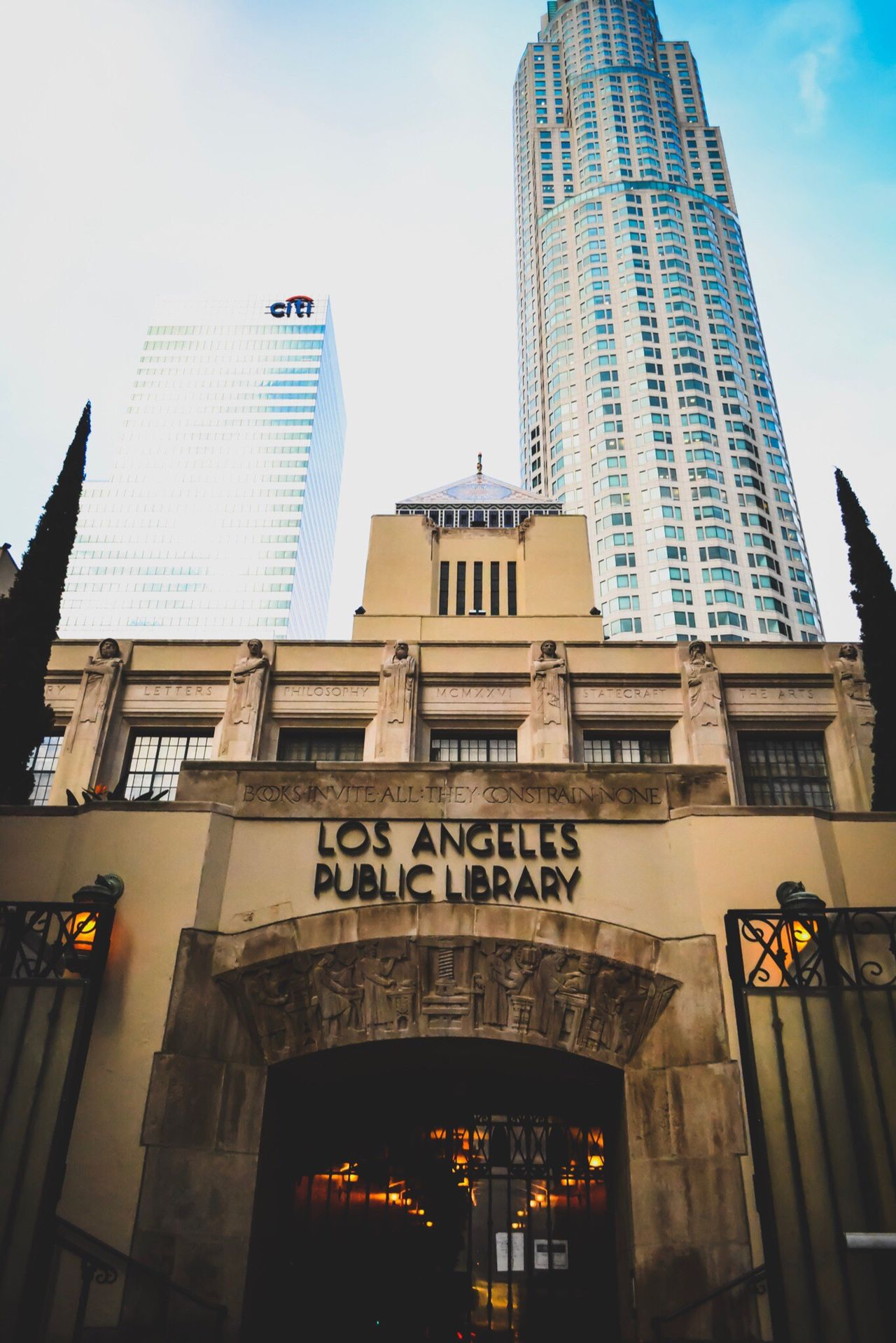 DTLA DTLA Skyline Losangeleslibrary Cityoflosangeles Cityofangels Highrisebuilding Library