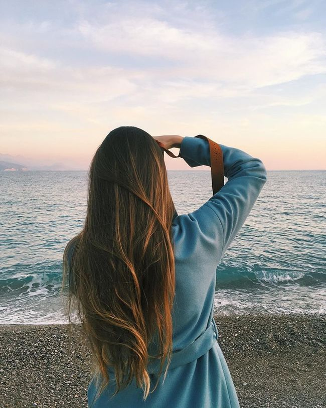Sea Beach Leisure Activity Water Rear View Headshot Scenics Long Hair Horizon Over Water Lifestyles Person Sunset Beauty In Nature Tranquil Scene Tranquility Vacations Sky Tourism Tourist Shore