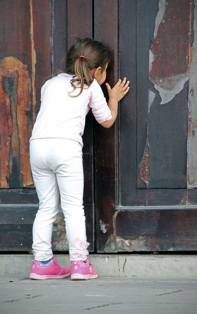 Back Casual Clothing Chengdu Child China Curiosity Curious Cute Day Door Girl Inside Old Old Buildings Old Door Peek Peeking Peeking Through Temple Wood - Material