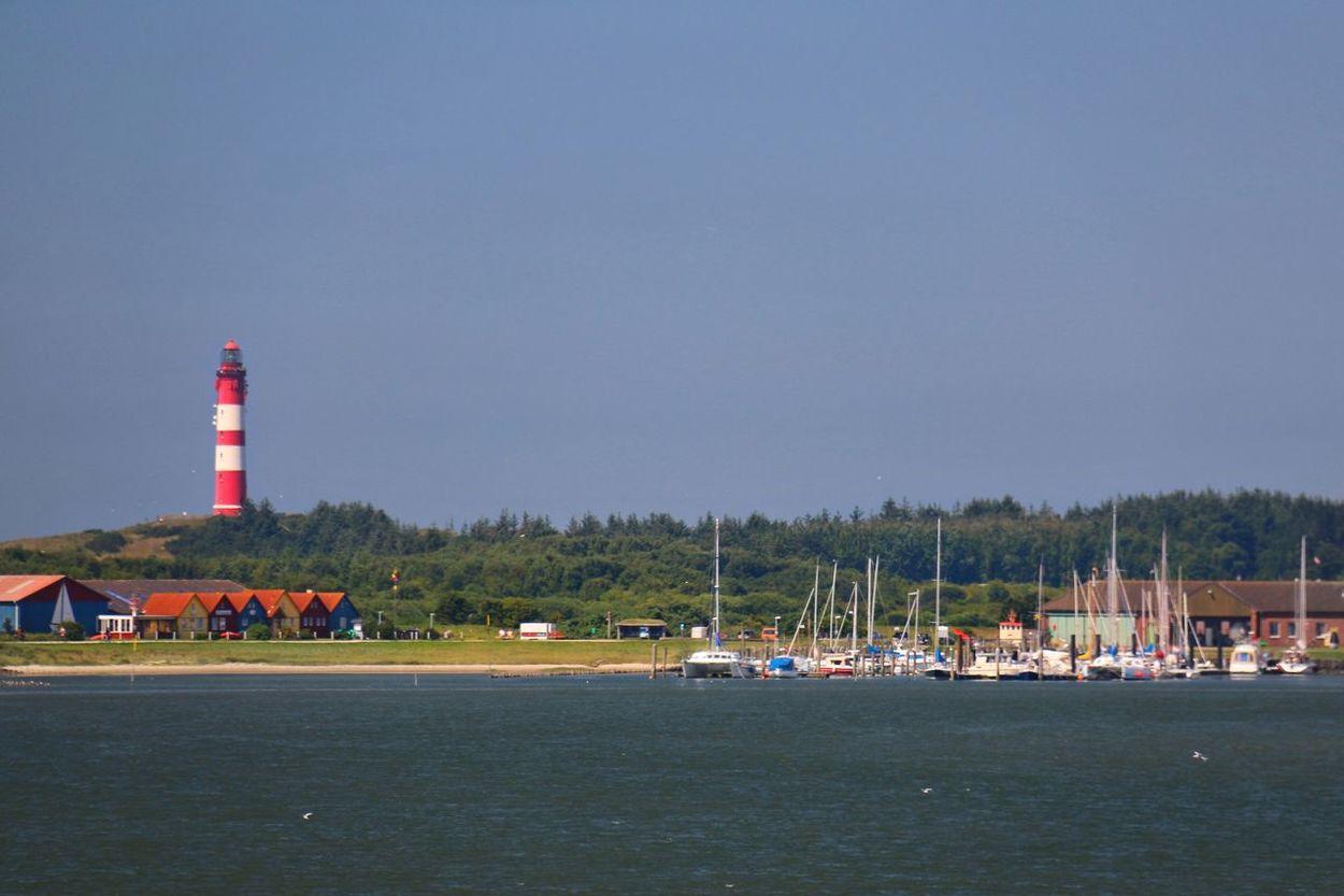Approaching Amrum ( North Frisian Island) Ankunft auf der Nordfrisischen Insel Amrum Leuchtturm Rot Weiß Häuser Strand Lighthouse Red White Beach Grass Taking Photos Enjoying Life Tranquility Germany🇩🇪 Blue Sky Outdoor Photography