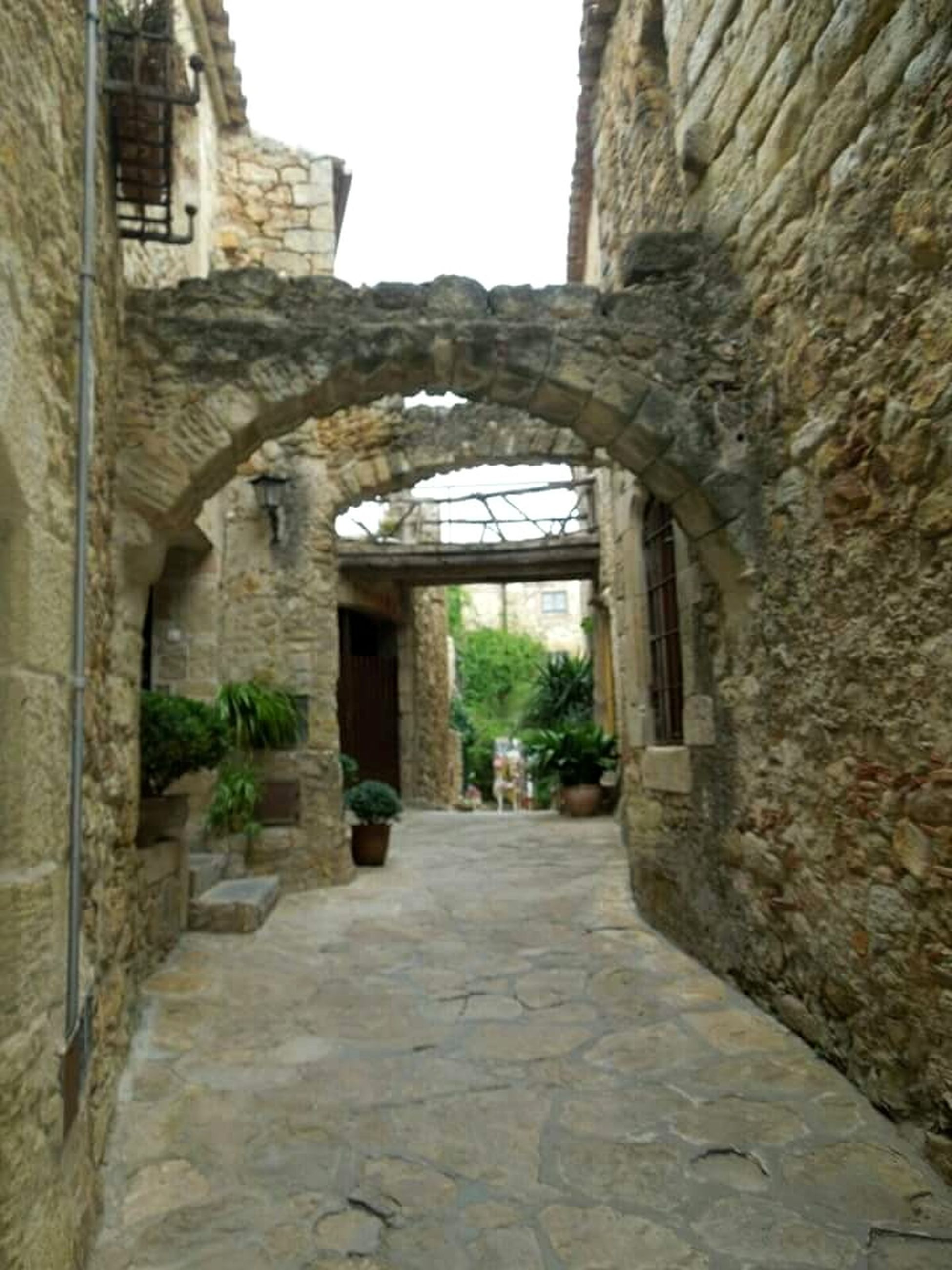 architecture, history, built structure, arch, ancient, the way forward, building exterior, day, no people, walkway, ancient civilization, outdoors