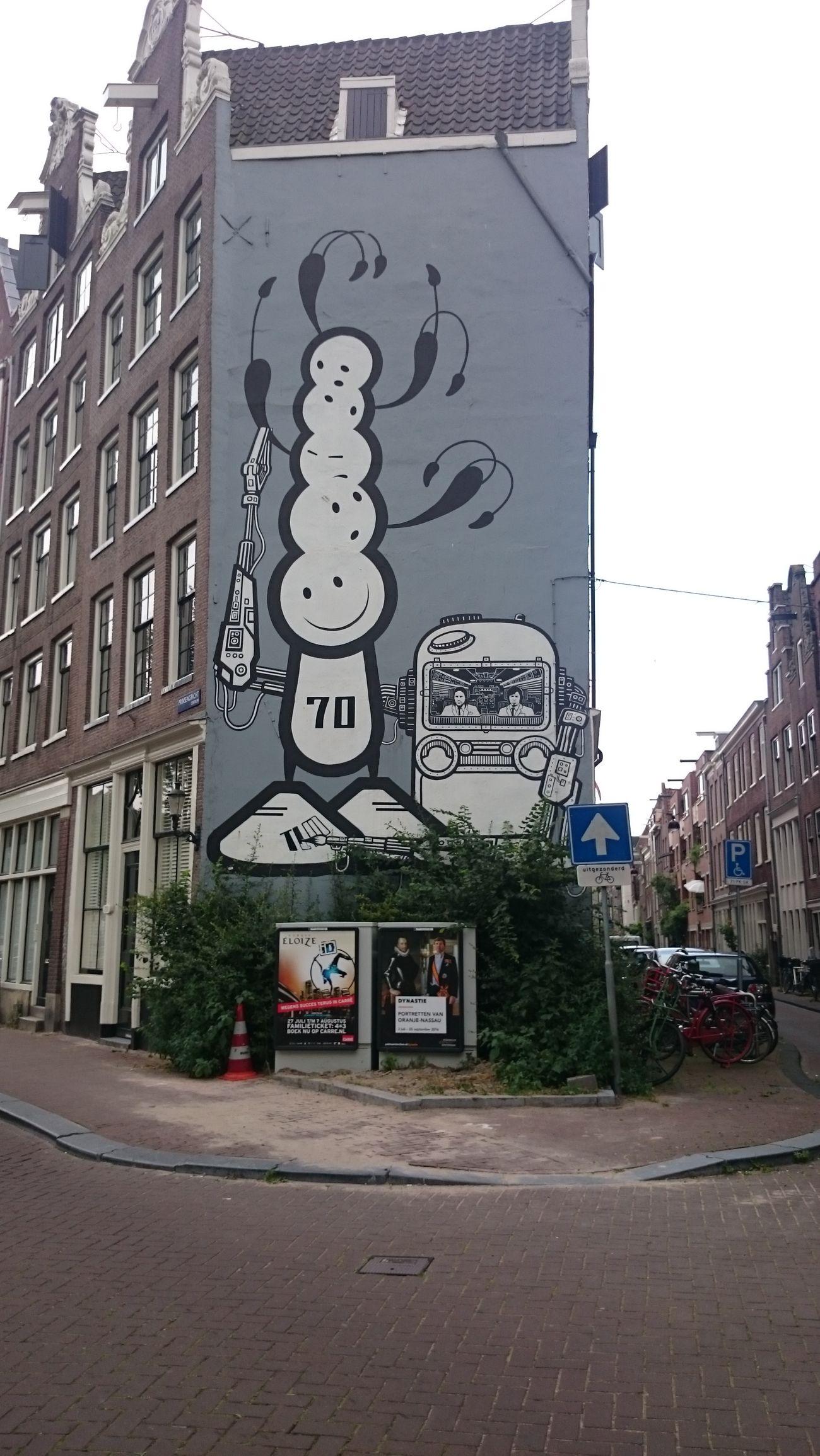 Un Dibujo echa en la Fachada de una Casa en Amsterdam Holanda