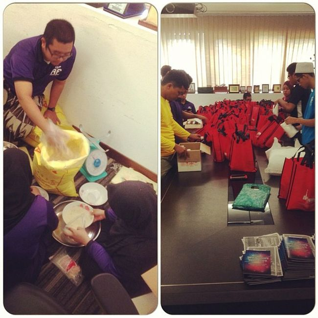 Preparing of the goodies for the needy... Alfitwah Aframadan2013 Yicspecial