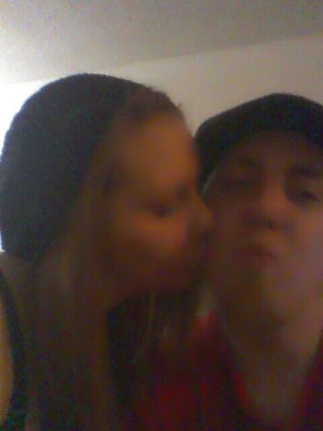 Kissesss!