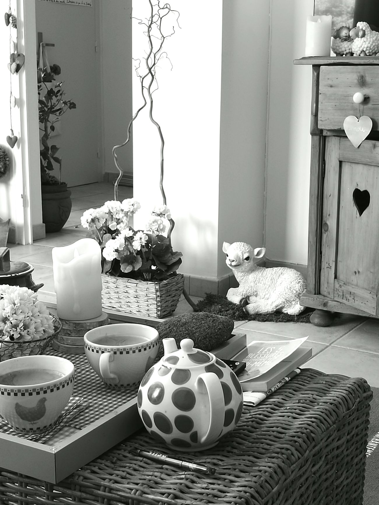 Home Is Where The Art Is Blackandwhite Noir Et Blanc Morning Matin Coffee Time Teatime Home Sweet Home Home
