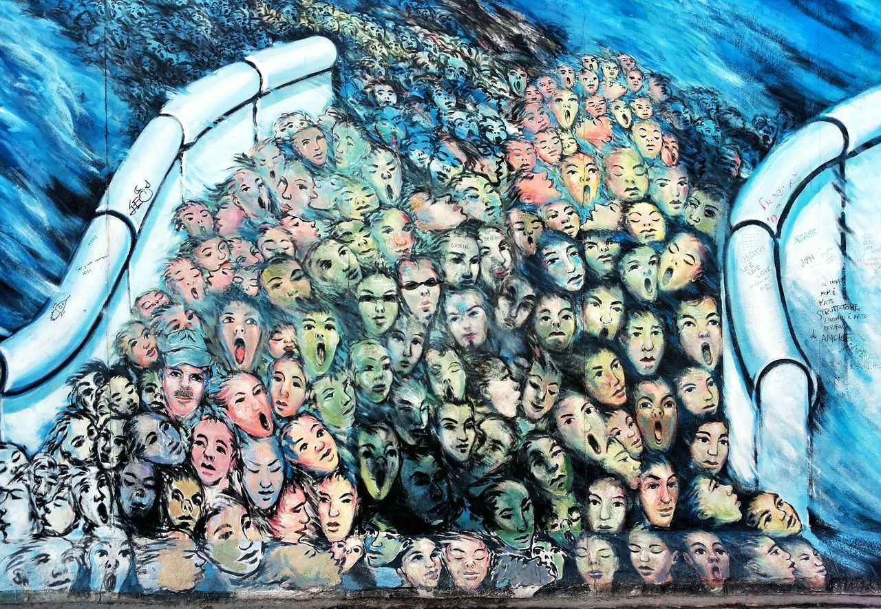 Berlin Berliner Ansichten Wall Painting East Side Gallery Wall Art Graffiti Graffiti Art Grafitti Grafito Graffitiporn Mauer Mauerfall People Faces Berlin Streetart Streetphotography Streetart Painting