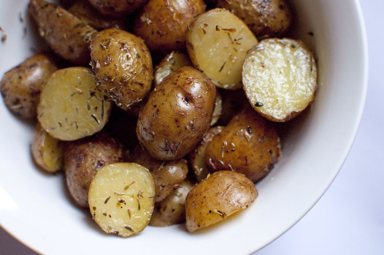 Fresh Food Prepared Potato Rosemary Bowl Serving Size Healthy Eating Freshness Meal Appetizer Sidedish Cooked Healthy Potatoes Healthy Lifestyle Health Boiled