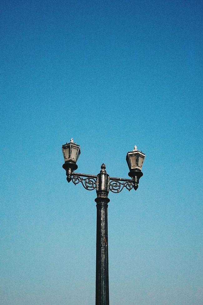 Negative Space Open Edit Vintage Lamp Taking Photos Popular Photos Street Photography Photooftheday Monochrome Eyem Best Shots