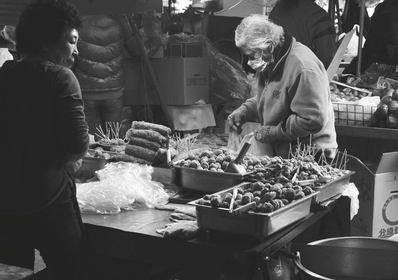 市場 market Streetphotography What I Saw The View And The Spirit Of Taiwan 台灣景 台灣情 Portrait Monochrome