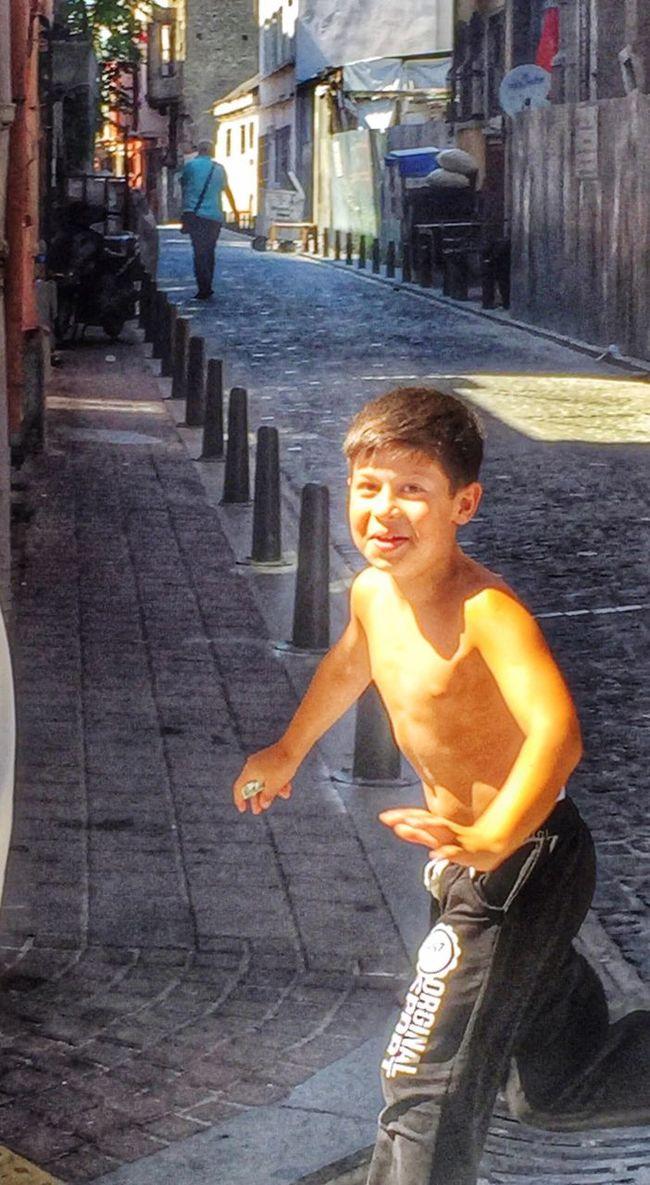 Hayal çocugun Oyununda Can Gencin Yarınında GUC yaşlının Anılarında Anlam Bulur Hanging Out Taking Photos Child Smile ✌ Smile :) Istanbuldayasam Istanbul Turkey EyeEm Gallery