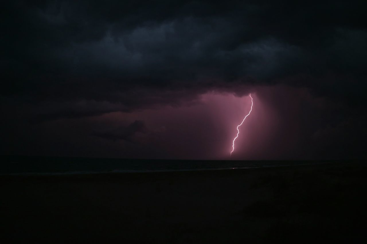 Beautiful stock photos of lightning, Beach, Beauty In Nature, Cloud - Sky, Cloudy