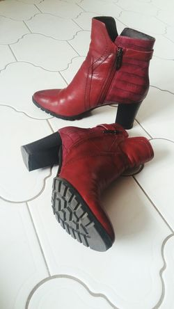 nice shoes Taking Photos Enjoying Life That's Me Hello World Shoes Shoe Boots Boots❤ Boot Schuhe  Schuh Schuhezeigen Schuhe❤ Stiefel Hi! My First Photo On EyeEm  My First Pic On EyeEm Red And White