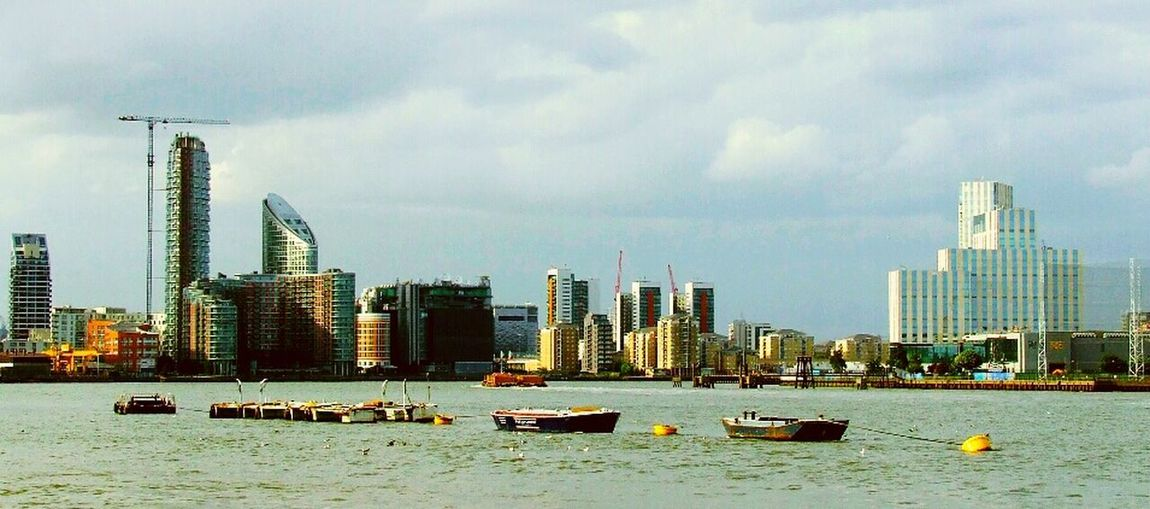 London Canary Wharf Summer Holidays Building River Boats⛵️ City Center Beautiful City Water Architecture