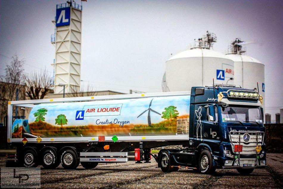 Modellbau  Truck Tamiya Mercedes Actros Oxygen 49feet container