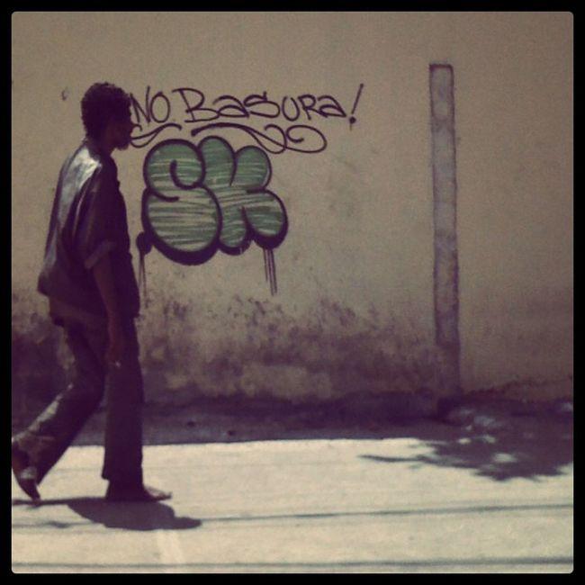 Look @yoshiradr eso fue horita frente a la escuela venezuela :) Iphonegraph
